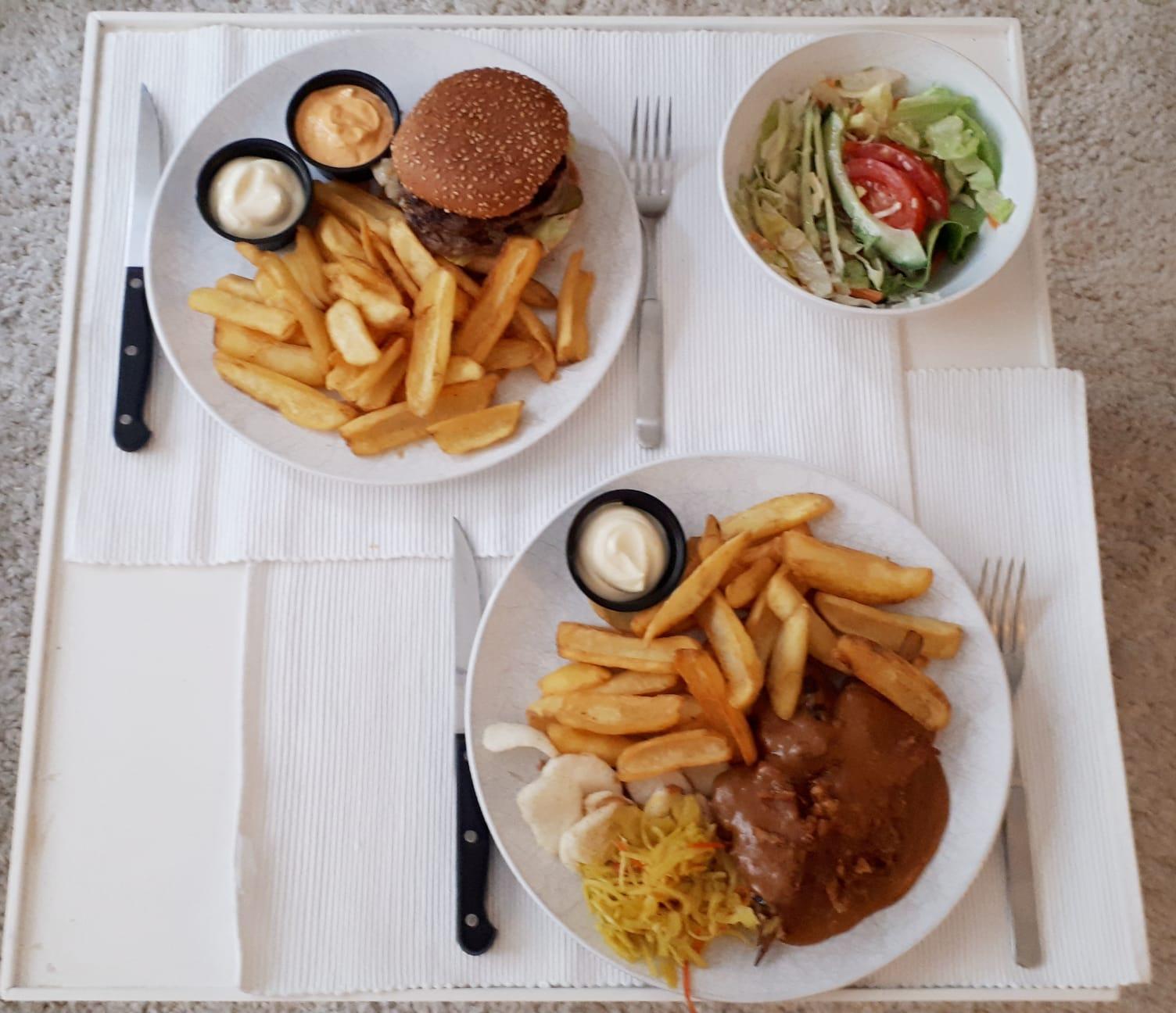 Take away burger en saté - Eetcafé de Potdeksel